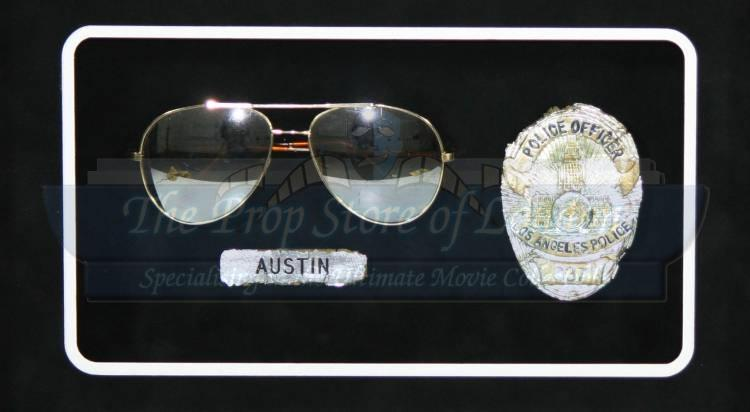 T1000 Glasses and Badges Display SOLD   Prop Store ...