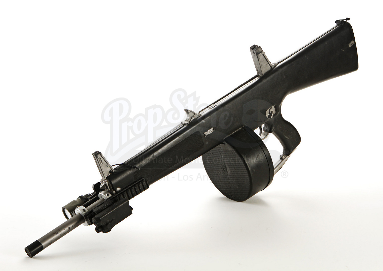 trenchs (arnold schwarzenegger) stunt aa-12 automatic shotgun | prop