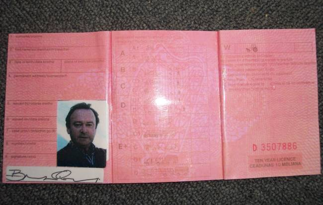 Collectables Movie Ultimate Prop Licence Brian Store Quigleys - Driving