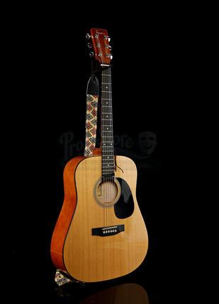 Salimas (Leem Lubany) Guitar | Prop Store - Ultimate Movie