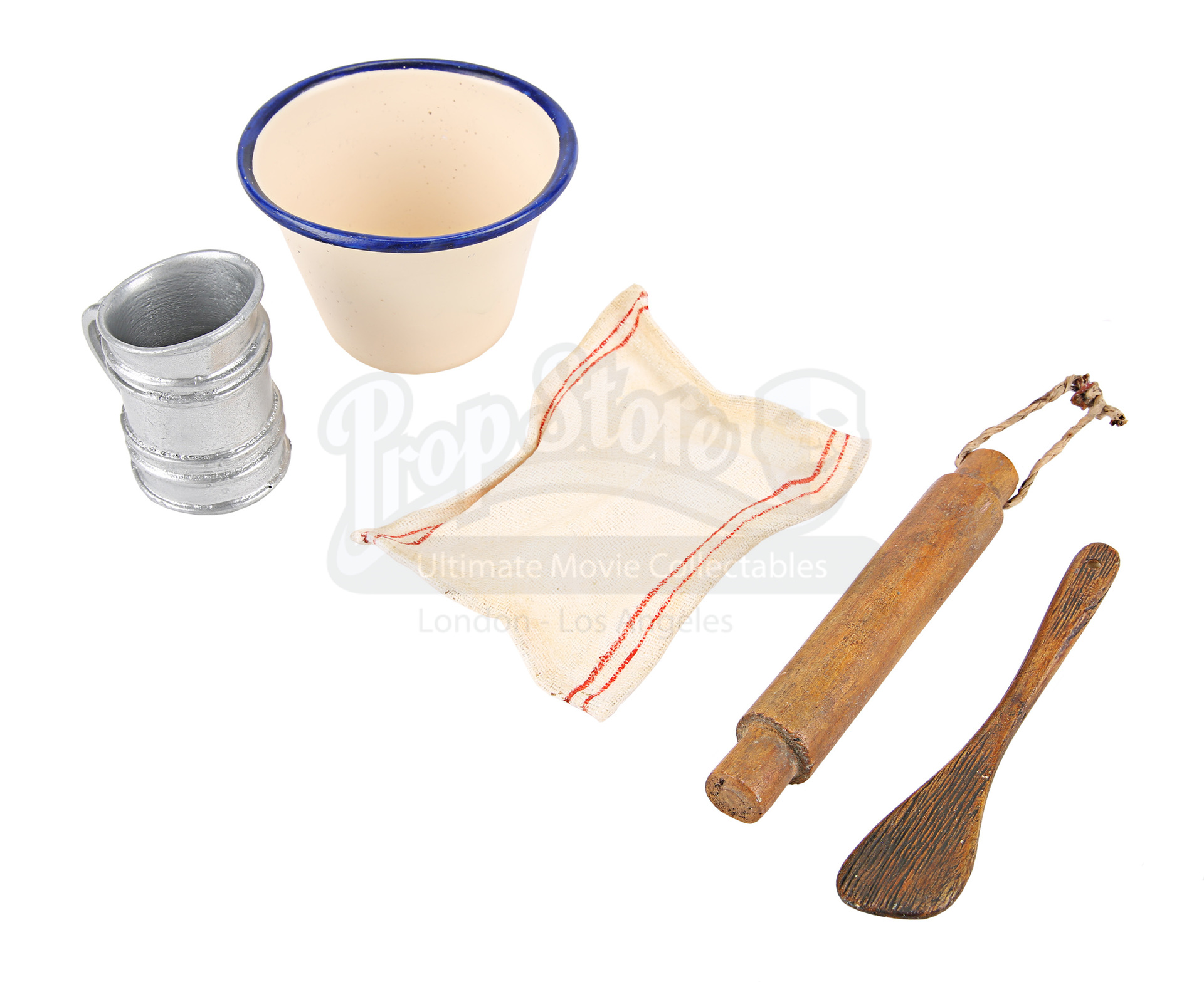 Qv1 Kitchen Assorted Baking Utensils 277 Prop Store